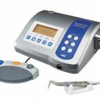 Fizjodyspenser NSK Surgic XT Plus. Specjalisyczne urządzenie umożliwiające preparację łoża dla implantów stomatologiznych zgodnie z najwyższymi standardami